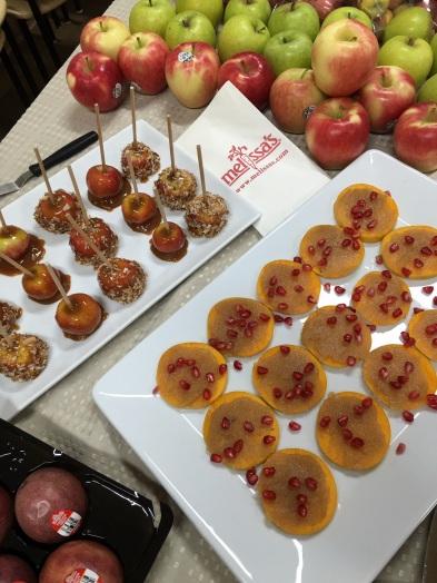 Apples,Persimmons,dressed